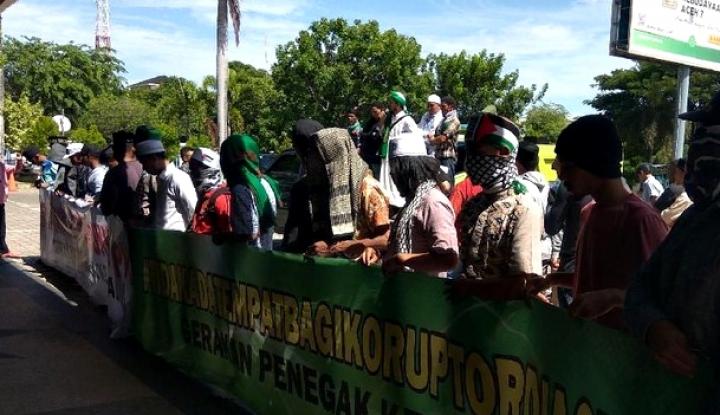 Foto Berita DPRA Aceh Dituntut Sepakati Hukum Potong Tangan Bagi Koruptor