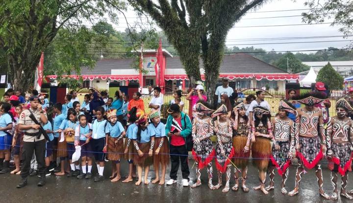 Foto Berita Pertamina Meriahkan Kirab Obor Asian Games di Sorong