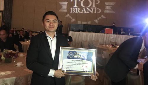 Foto Alat Pelacak Berbasis GPS Raih TOP Brand Award