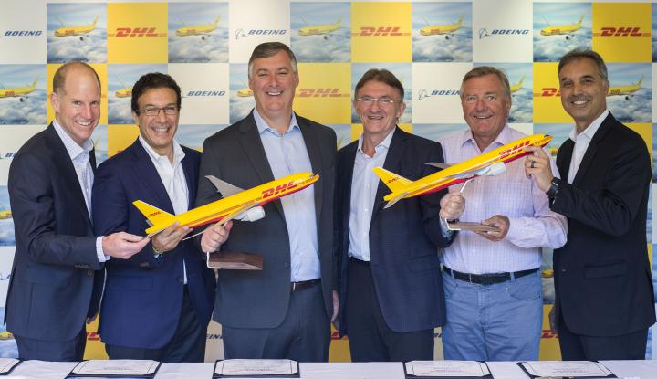 DHL Express Pesan 14 Pesawat Baru Boeing 777 Freighter - Warta Ekonomi