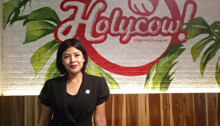 Foto Berita Holycow, Steak Emperan yang Kini Jadi Restoran High Class