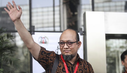 Foto Novel Baswedan Minta Perhatian Presiden