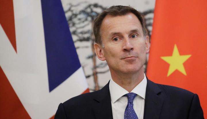 Foto Berita Momen Aneh Terjadi Ketika Menlu Inggris yang Baru Kunjungi China
