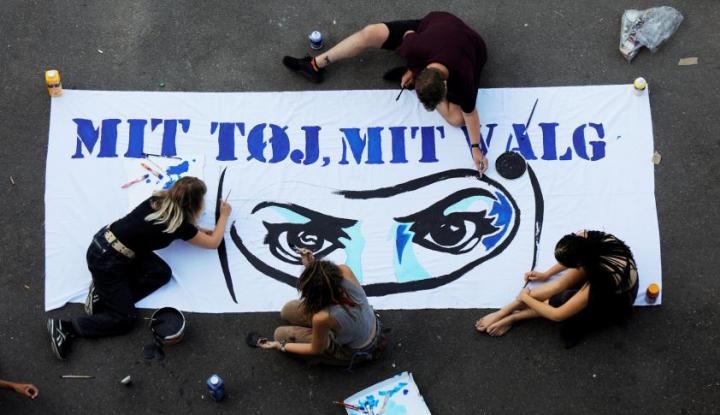 Foto Berita 1 Agustus, Perempuan Muslim Denmark Lakukan Aksi Demonstrasi