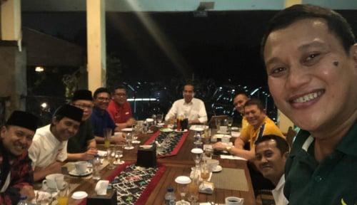 Foto Hasto Banggakan Parpol Pendukung Jokowi Punya Tim Media Terkuat