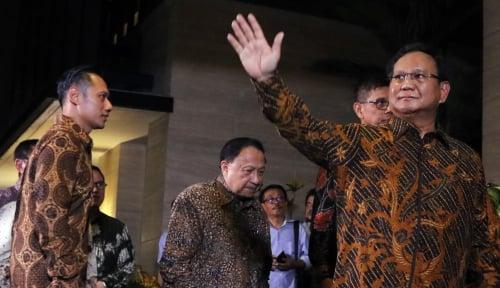 Foto Prabowo- Kalla Kadang Lawan, Kadang Teman