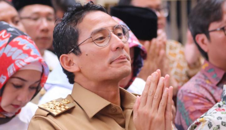 Foto Berita Sandiaga Mau Cium Tangan Jokowi, Ngabalin: Enggak Usah!