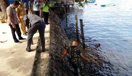 Foto Pertamina Bantah Ceceran Minyak di Balikpapan Ulah Perusahaannya