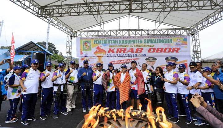 Foto Berita Obor Asian Games 2018 Disambut Tarian Tor-Tor di Simalungun