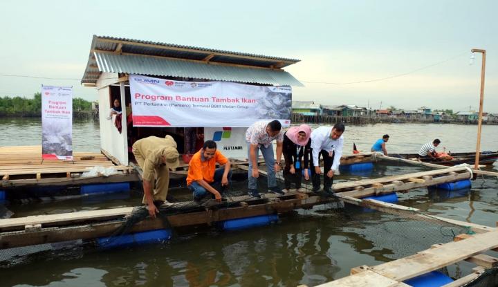 Foto Berita Bantu Nelayan di Belawan, Pertamina MOR I Kucurkan Dana Rp267Juta
