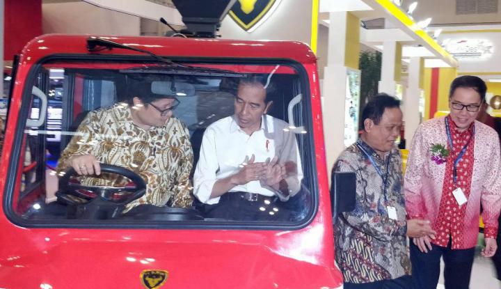 Foto Berita Jokowi: Mobil Esemka Dikerjakan Swasta, Saya Tak Ikut