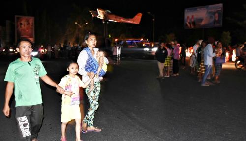 Foto Korban Gempa Lombok Minta Tenda Segera