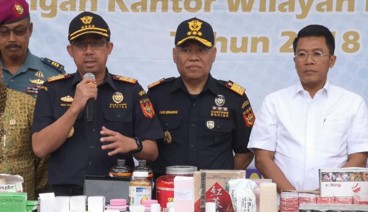 Foto Berita Acungan Jempol Misbakhun untuk Keberhasilan DJBC Tekan Peredaran Rokok Ilegal