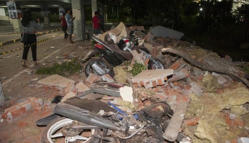 Foto Lombok Gempa, Warga Bali Terasa Guncangannya