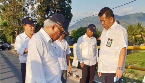 Foto Kunjungi Lombok Utara, Menteri Basuki Pastikan Bantuan Air Minum dan Sanitasi