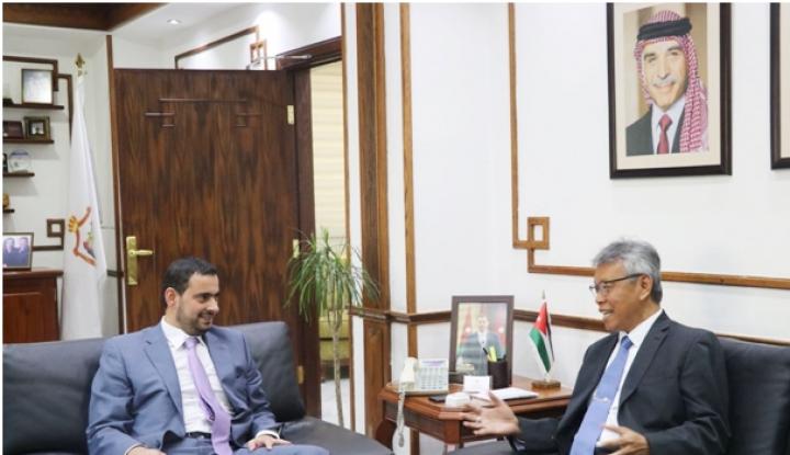 Foto Berita Pertemuan Menteri Yordania dan Dubes RI