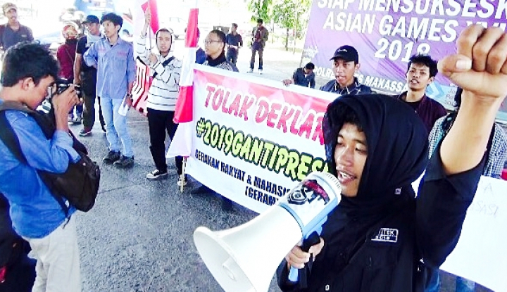 Foto Berita Mahasiswa Makassar Tolak Rencana Deklarasi 2019 Ganti Presiden