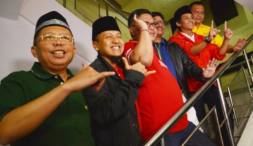 Foto Jokowi CS Tantang Kubu Prabowo Main Sehat