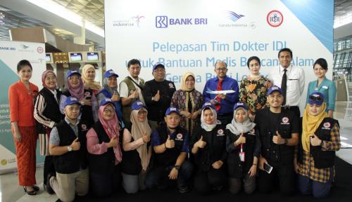 Foto Garuda Indonesia-BRI Terbangkan Tenaga Medis IDI Bantu Korban Gempa Lombok