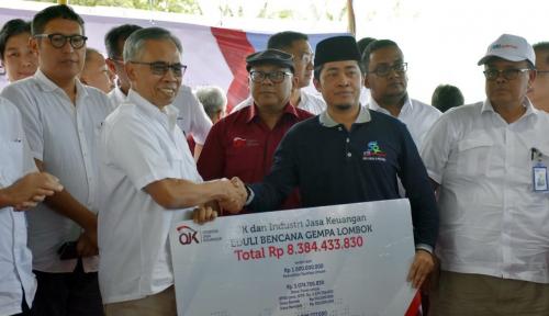 Foto OJK dan Industri Keuangan Galang Dana Bencana Lombok