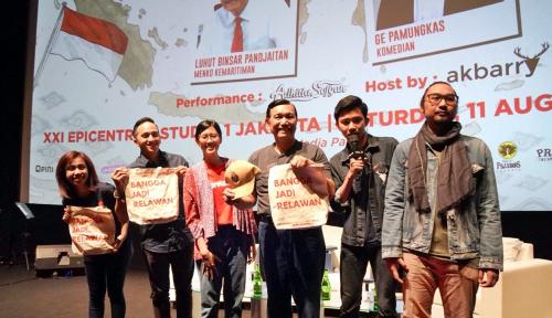 Foto Luhut: Kalian Harus Bangga Jadi Anak Indonesia
