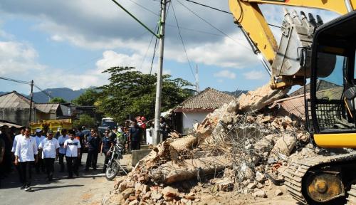 Foto Gempa Lombok, Getarannya Sampai ke Jember