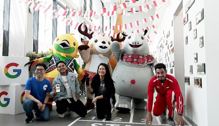 Foto Berita Stand Suvenir Asian Games Dicibir Bule...