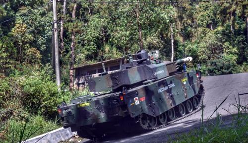 Foto HUT RI ke-73, Pindad Beri Kado Medium Tank Bagi Negeri