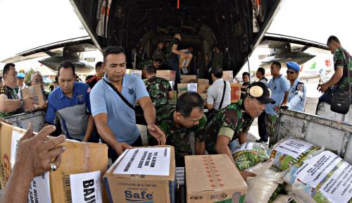 Foto ACT-TNI AL Lepas Kapal Kemanusiaan Lombok