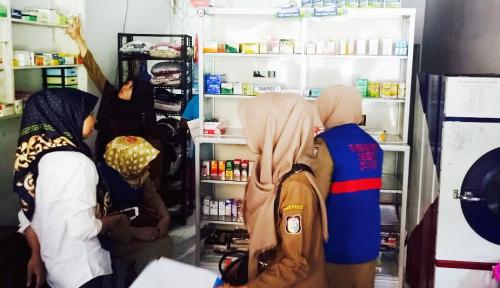 Foto Sidak, Dinas Kesehatan Makassar Temukan Apotek Bermasalah