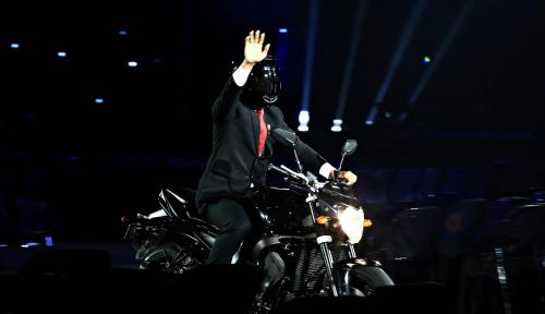 Foto Demokrat: Jangan Bohong, Jokowi Pakai Stuntman saat Aksi Moge