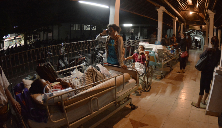 Foto Berita 10 Orang Meninggal Akibat Gempa Lombok