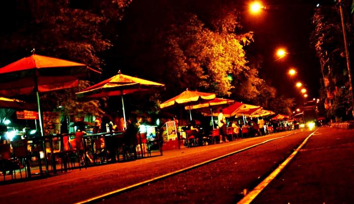 Foto Berita Solo Night Market: Pasar Ekonomi yang Berbasis Historis Kultural