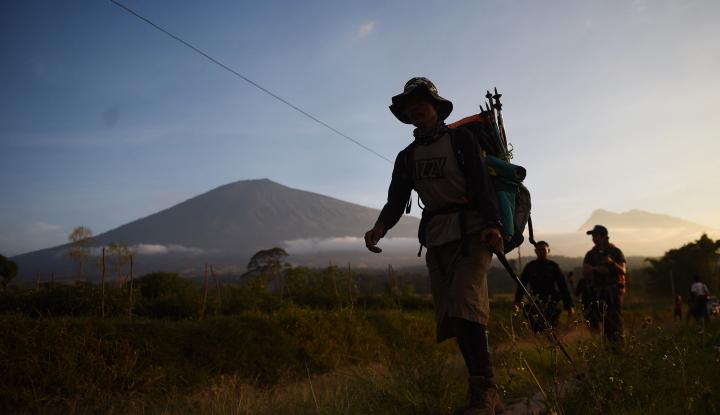 Kebakaran Besar, 50 Pendaki Gunung Lawu Tak Diketahui Kabarnya - Warta Ekonomi