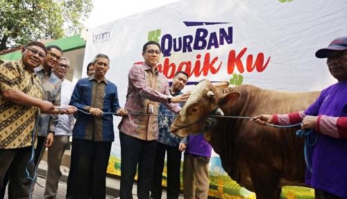 Foto Bank Muamalat Sebar Daging Kurban di 12 Kota