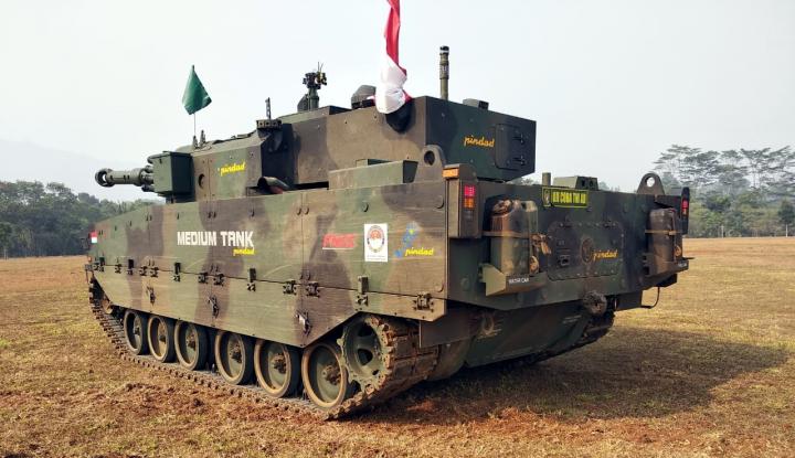 Foto Berita Pindad Uji Daya Gempur Medium Tank