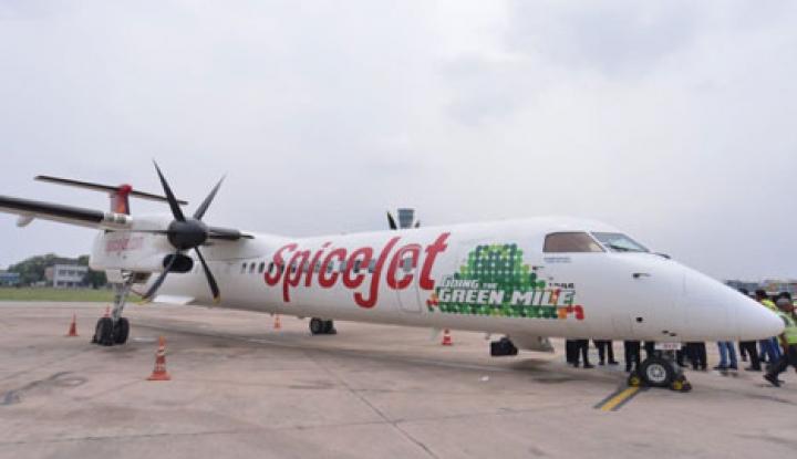 Foto Berita India Uji Coba Pesawat Berbahan Bakar Biofuel