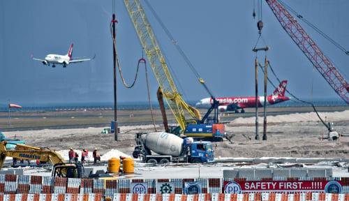 Foto AirAsia Dorong Lapangan Pondok Cabe Jadi Bandara Tarif Bawah