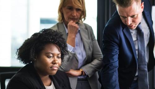 Foto 8 Strategi untuk Pimpin Perusahaan sebagai Perempuan Minoritas