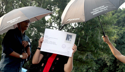 Foto Kontradiktif! Ucapan Istana dan Istri Mendiang Munir Kontradiktif