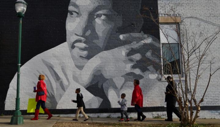 Foto Berita Kala Trump Peringati 'I Have a Dream' Milik Martin Luther King Jr.