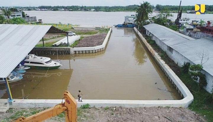 Foto Berita Menteri Basuki Tinjau Lokasi Pembangunan Pengendalian Banjir di Palembang