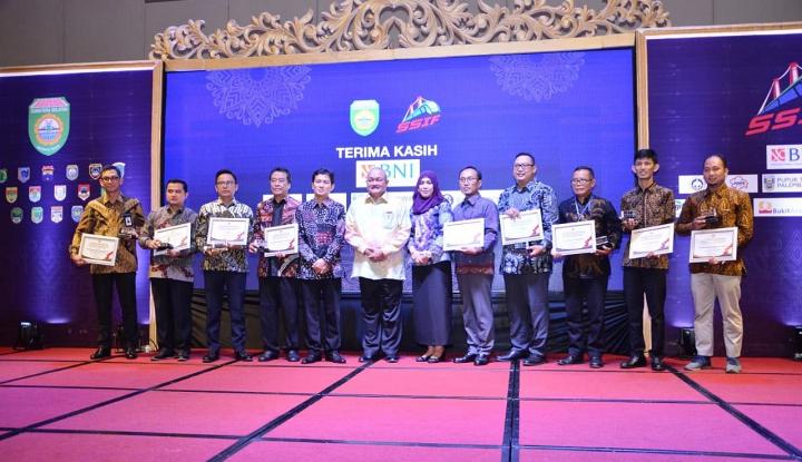 """Foto Berita Cargill Raih """"Investment Award"""" dari Gubernur Sumatera Selatan"""