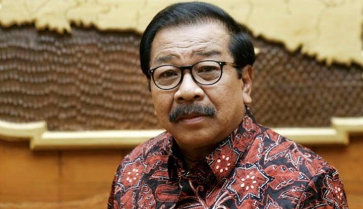 Foto Berita Bantah Jadi Tim Kampanye Jokowi, Pakde Karwo Lakukan Ini