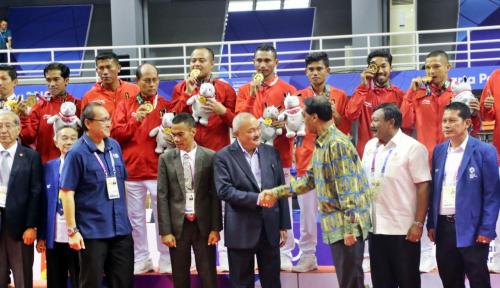 Foto Gubernur Sumsel Raih Penghargaan Honorary Head Coach dari Jr.NBA