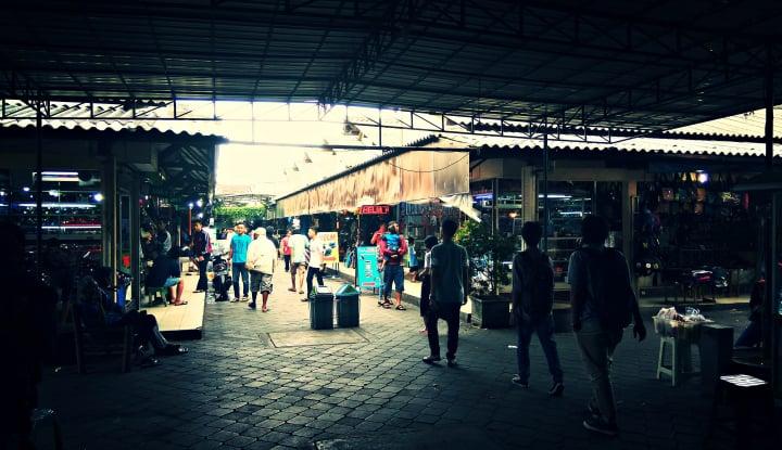 Foto Berita Pasar Klithikan: Menawar Bebas dan Kualitas Kadang Berkelas