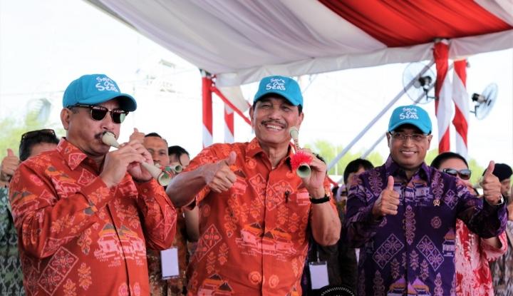 Foto Berita Jokowi Sebut Sail Moyo sebagai Awal Kebangkitan Wisata NTB, Luhut: Solusi Atasi CAD