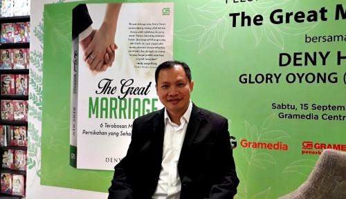 Foto Deny Hen Ungkap Tips Pernikahan Langgeng