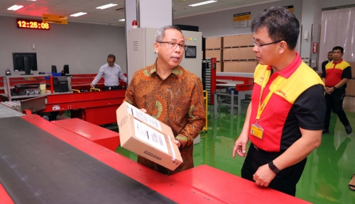 Foto DHL Express Bangun Service Center Baru