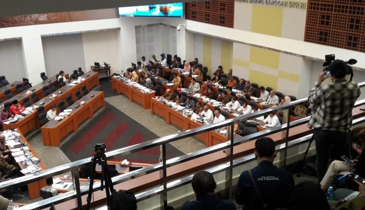 Foto Berita Banggar DPR Bahas Asumsi Makro RAPBN 2019